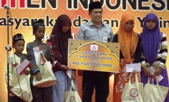 PT Semen Indonesia Santuni 1.500 Anak Yatim