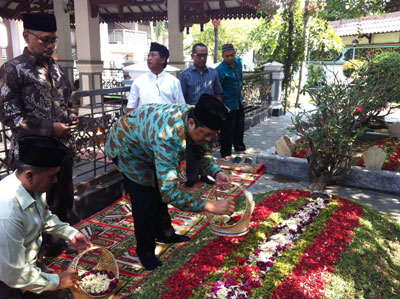 Wakil Ketua MPR Ziarah ke Makam Gus Dur