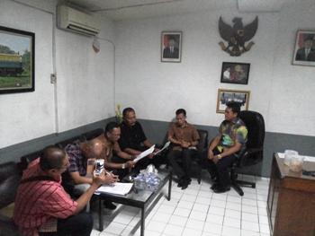 PN Surabaya Ekskusi Pertokoan Indo Plaza
