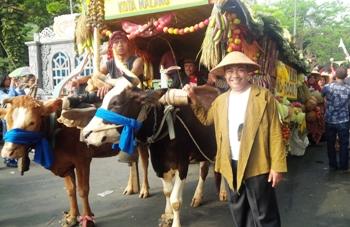 Dinas Pertanian Kota Malang Bawa Cikar