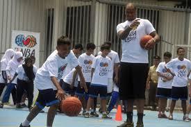 Pebasket Juara NBA Latih Anak Panti Asuhan