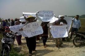 Geram,Perhutani Caplok Tanah Warga Bangkalan