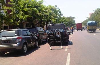 Desak Dishub Surabaya Tertibkan Parkir Insidentil