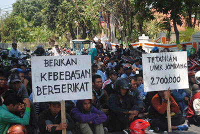 Buruh Kepung Jombang Tuntut UMK Rp2,7 Juta