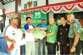 Petrokimia Gresik Bantu Program Karya Bhakti TNI
