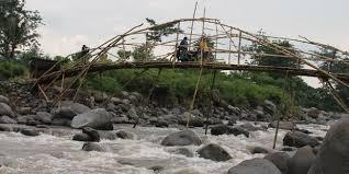 Janji Anggarkan Perbaikan Jembatan Rusak 2016