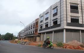 Pemkot Surabaya Saratkan Lahan Parkir IMB Ruko