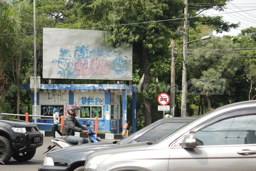 Vandalisme Mulai Menyasar Pos Polisi