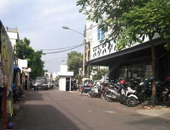 Aneh, Dishub Surabaya Mengaku Tak Tahu Ada Jukir Liar di Jalan Baliwerti