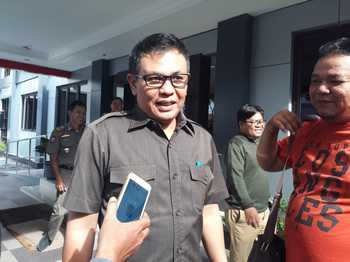 Pemkot Surabaya Semprot Disinfektan 700 Liter di Gunung Anyar