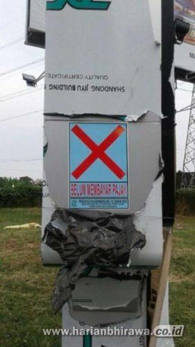 Aneh, Pemkot Surabaya Hanya Berikan Tanda Silang Reklame di PTC