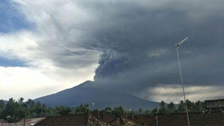 28-1-erupsi-gunung-agung