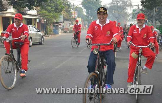 10-Foto HL-Ngonthel Bareng Wabup-Kar