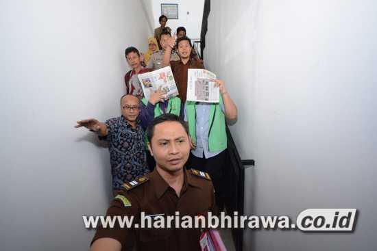 02-foto HL Dua terdakwa dugaan pemalsuan dokumen kepabeanan (1)