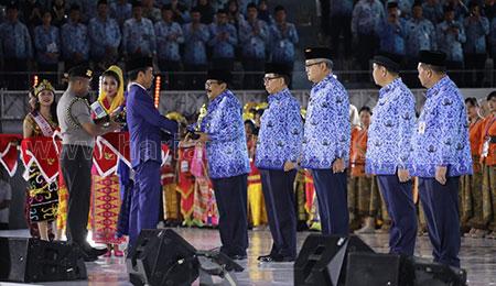 Gubernur Jatim Raih Penghargaan Penasihat Korpri Terbaik
