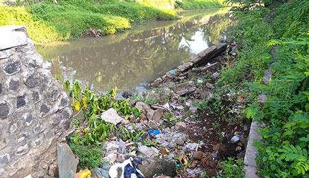 Setahun Ambrol, Plengsengan Sungai Gembong Belum Diperbaiki