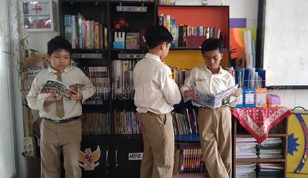 Tingkatkan Minat Baca, Ajak Siswa Kelola Perpus Kelas