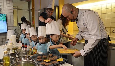 Launching EF Kitchen, Hadirkan Chef Ken