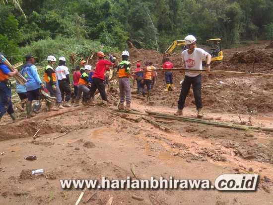 Evakuasi Korban Banjir Bantul Jawa Tengah Terus Berlanjut