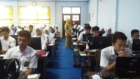 UNBK SMA, Dua Sekolah Swasta Numpang di SMA Negeri I Bojonegoro