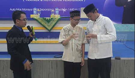 Jelang UN, SMP Muhammadiyah 2 Taman Sidoarjo Gelar Spiritual Building