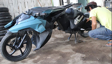 Warga Jombang Sulap Motor Matic Jadi Motor Batman