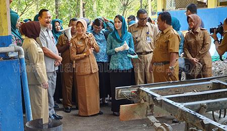 Kunjungi Bakorwil Bojonegoro, Arumi Ajak Masyarakat Peduli Sampah