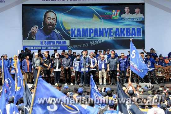 Kampanye di Probolinggo, Surya Paloh Ajak Menangkan Jokowi dan NasDem