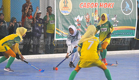 Gresik Sapu Bersih Emas Hockey Indoor