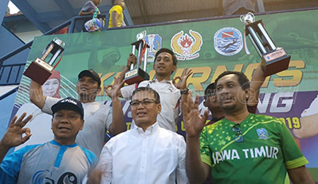 Surabaya Juara Umum Kejurnas Selam Piala Gubernur
