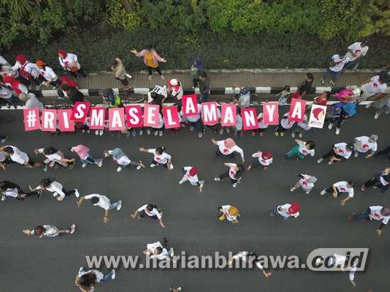 Relawan Risma Selamanya Tuai Simpati Warga Surabaya