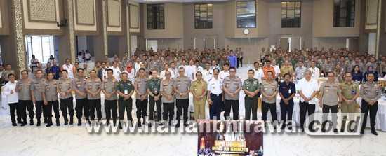 Ribuan Personel Gabungan Siap Jaga Kamtibmas Nataru di Jawa Timur