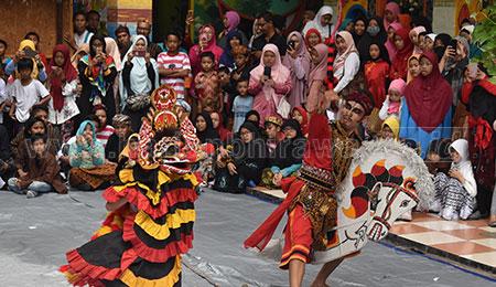 SD Muhammadiyah 16 Surabaya Gelar Cross Culture Kota Surabaya