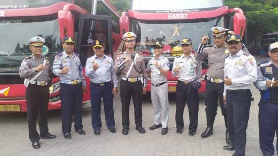 Libur Nataru, Penumpang Bus di Terminal Rajakwesi Bojonegoro Naik 10 Persen