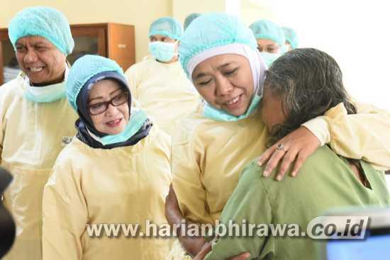 Gubernur Khofifah Targetkan Tahun 2023 Jawa Timur Bebas Katarak
