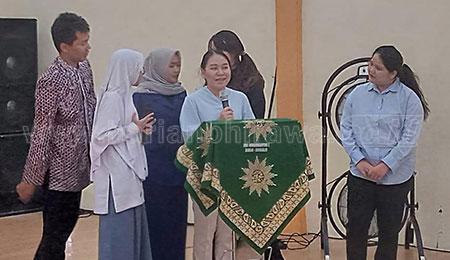 Tiga Mahasiswi Thailand Magang di SMAMITA