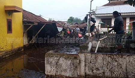Banjir Bandang Terjang Desa Sempol