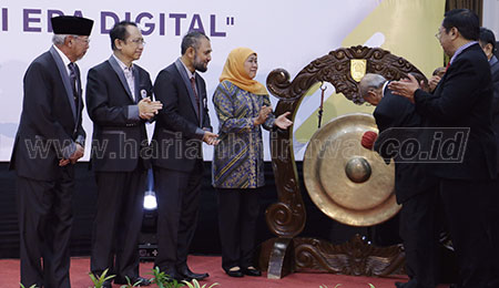 Gubernur Khofifah Ajak APTISI Perkuat Literasi Financial Digital ke Masyarakat