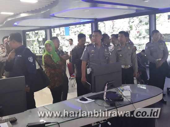 Dishub-Diskominfosan-Satlantas Situbondo Studi Banding ke Surabaya