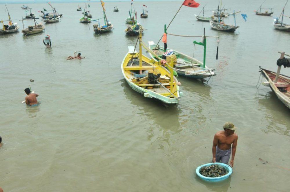 Nelayan Surabaya Libur Melaut