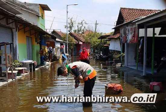 Korban Banjir di Kedungbanteng Sidoarjo Alami Gatal Kulit
