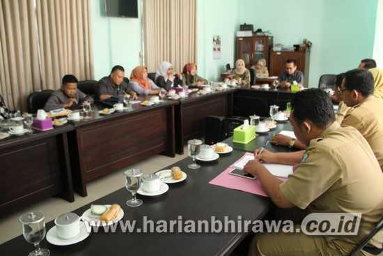 Komisi D DPRD Kabupaten Jombang Gelar Hearing Dengan Disnaker