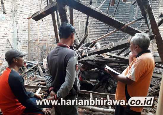 Rumah Roboh di Kabupaten Nganjuk, Tiga Orang Dirawat Intensif