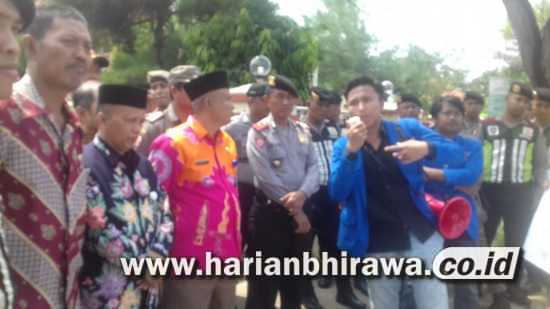 Penyaluran BPNT Dinilai Tak Beres, Aktifis PMII Sumenep Demo Dinsos