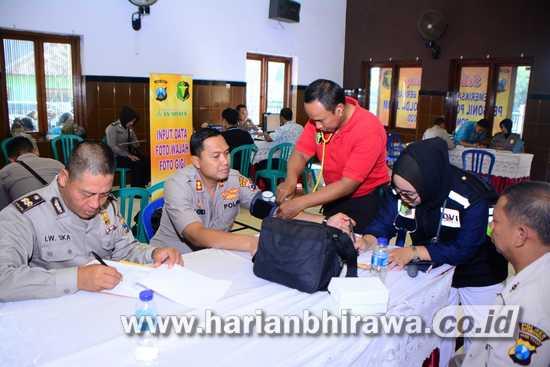 Dokkes Polda Jatim Gelar Pemeriksaan Kesehatan di Kabupaten Situbondo