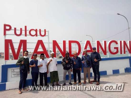 Dukung Pariwisata, HCML Bangun Papan Nama di Pulau Mandangin