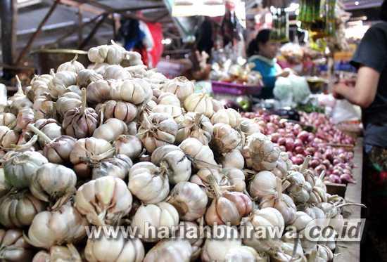 Dampak Virus Corona, Harga Bawang Putih Naik 100 Persen di Kota Pasuruan
