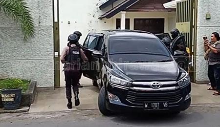 KPK Buru Mantan Sekretaris MA di Tulungagung