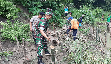Melihat Kedekatan TNI-Polri di Lamongan