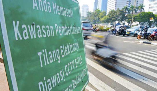 Pemerintah Kota Surabaya Pasang Kamera e-Tilang Awasi Trotoar